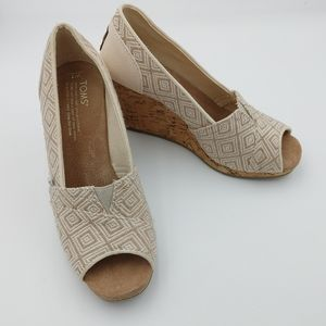 NEW TOMS woven diamond wedges size 7